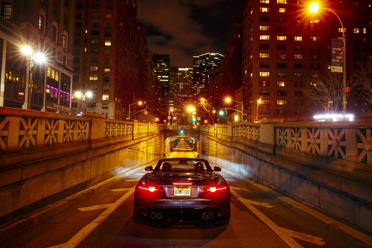 200mph Jaguar Roars in Iconic Park Avenue Tunnel in New York