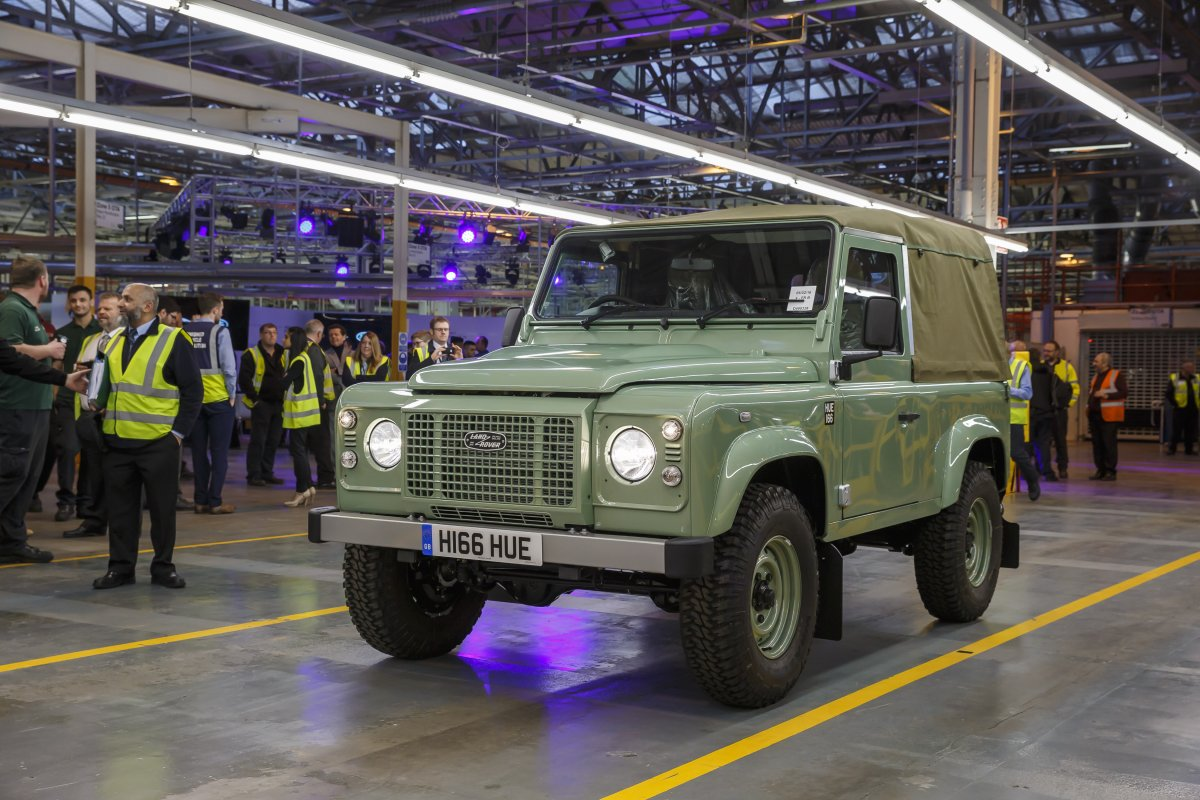 Celebrating The Legend - Last of the Current Land Rover Defenders is Built in Solihull